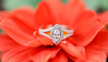 An Marquise Leo Diamond Engagement