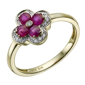 Gold and ruby ring in shape of flower