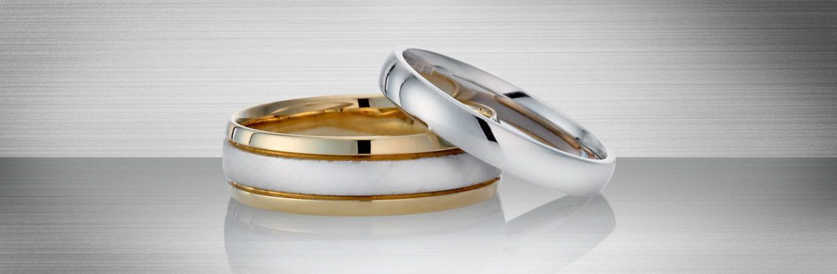 Gold rings and jewellery at Ernest Jones