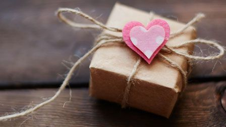 5 special ways to deliver a gift