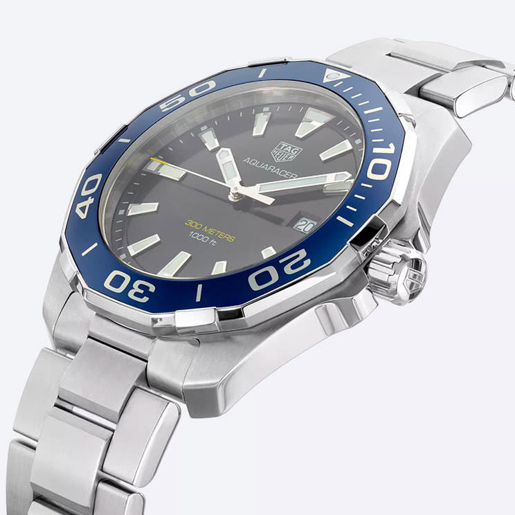 TAG Heuer Exclusive Aquaracer Limited Edition flat